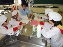 『カルピス』こども乳酸菌研究所_授業風景2