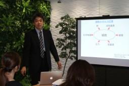 慶応義塾大学薬学部の水島徹教授