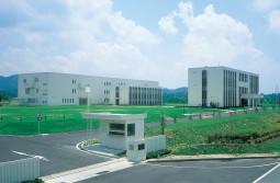 オッぺん化粧品、滋賀工場と研究所