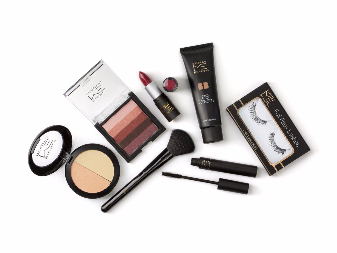 7,Elevenの製品開発部門マネージャーのLindsay  Robertson氏は「ミレニアル世代の女性が手頃な価格で色々な色を試しているため、美容産業はコストパフォーマンスの高い