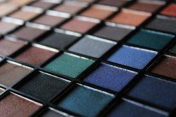 アルビオン、スイスブランドの化粧品事業から撤退 売上振るわず